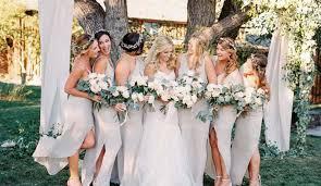Hem düğün konseptlerinde, hem de gelin saçı modellerinde, çoğunlukla sadelik ve zarafet ön plana çıkıyor. Kir Dugunu Icin En Guzel Sac Modeli Hangisi 2021 Muhtesem Kir Dugunu Sac Modelleri Blog Gazetesi Son Dakika Haberleri Guncel Haberler