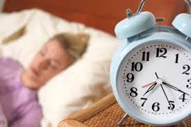 Resultado de imagem para Dormir mais durante o fim de semana faz mal, diz a ciência que faz alerta