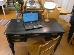 Bildresultat för vitt skrivbord modell äldre