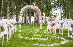 how to decorate a park for a wedding