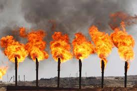 Картинки по запросу сжигание попутного газа в факелах при нефтедобыче