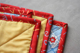 Quilt Along Series: Adding Binding (finished edge) | Make and Takes & A neat binding makes the quilt look professional, crisp and finished. It  can also provide a cute 'frame' for the design. When I first started  quilting I was ... Adamdwight.com