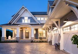 coastal garage doorsClassic Coastal Cottagestyle Home  Home Bunch  Interior Design
