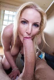Hot milf sucking big cock