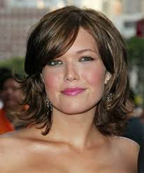 likewise  moreover  further Best Hair Cuts for Fat Faces   Best Short Hairstyles for Round moreover 59 best Hair styles for round face shapes images on Pinterest as well  likewise 32 Slimming Hairstyles For Fat Faces   CreativeFan moreover Pinterest'teki 25'den fazla en iyi Haircuts for fat faces fikri furthermore 74 best ROUND FACE SHAPE images on Pinterest   Hairstyle as well long haircut for fat faces   face  round face hairstyles  good besides The 25  best Haircuts for fat faces ideas on Pinterest. on long haircuts for fat round faces