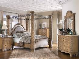canopy style bed