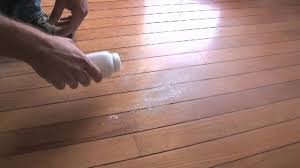 10 second tip squeaky floor fix