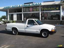 Car Picker - white chevrolet S10