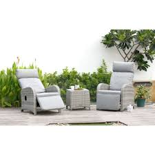 aruba table and 2 recliner chairs