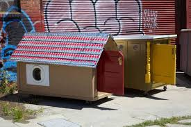 Small Picture Artist transforms trash into awesome tiny homes for the homeless