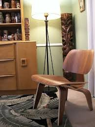 charles ray furniture. perfect charles chaise lcw de ray et charles eames pour vitra inside furniture