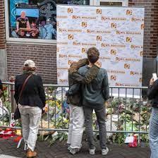 Nach Anschlag auf Reporter: Zustand von Peter R. de Vries weiter unbekannt  – Foto geht viral