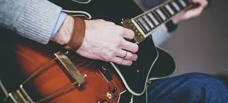 Musik modern ini termasuk jenis musik kreasi baru. 4 Alat Musik Modern Dan Sejarahnya Muffingraphics Com