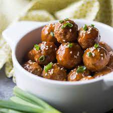Tangy Sweet & Sour Meatballs: great party app! -Baking a Moment