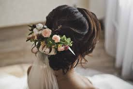 hairstyle of the bride for the wedding