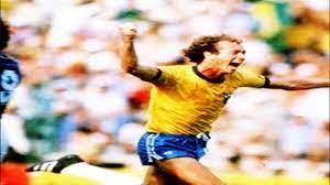 باولو روبرتو فالكاو نجم المنتخب البرازيلي في عام 1982 - YouTube