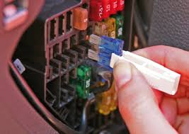 how to change a fuse car care made easy remove fuse from fusebox