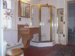 Apartment Bathroom Decorating Ideas Themes As Wells As Bathroom - Small apartment bathroom decor