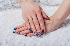 Modré Nehty Umění S Bílou Krajkou Stock Fotografie Selora 102865630