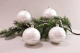 4 Weihnachtskugeln 6cm Weiß Matt Iris Geringelt Lauschaer Christbaumschmuck