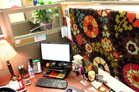 good looking office cubicle decor elegant decorating office cubicle walls