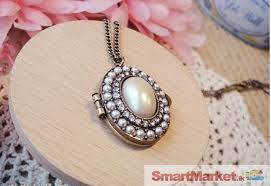 pearl locket pendant necklace for
