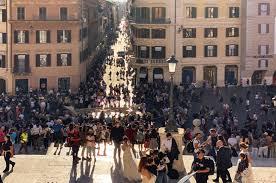 Buchen sie ihre ferienwohnung ganz schnell online. Rome Between Magic And Overtourism