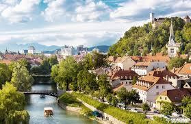 Реферат Страноведение Словения Не смотря на маленькую территорию посетив окресности Словении можно получить массу положительных впечатлений Данная работа поможет изучить уникальность
