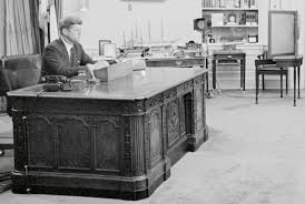oval office resolute desk. Oval Office Resolute Desk