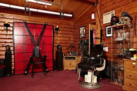 Kinky For The Bedroom This Pretty Log Cabin In Berkshire Looks Innocent Enough But The