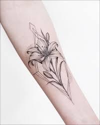 татуировка для девушки татуировка цветы лилия татуировка на руке
