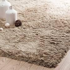 tapis à poils longs beige 140x200 maisons du monde