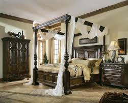Wooden Canopy Beds King Size Four Poster Bed King Size Wooden Canopy ...