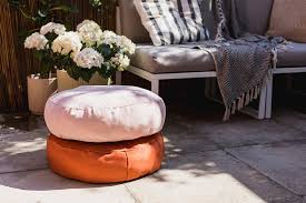 diy no sew round cushions with beacon