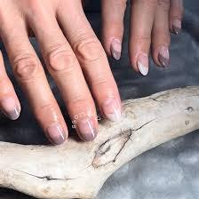 短い爪でもフレンチならこんなに綺麗に見えますnail Saloncle所属