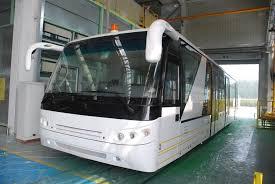 aluminium 24 seat airport shuttle buses 4 stroke sel engine bus