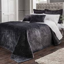 ornate velvet bedding set