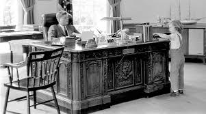 oval office history. The Presidential Desk A Brief History Curbed Jfk Oval Office