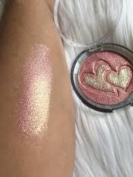 double hearts highlighter by makeup maniacs