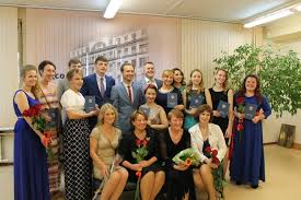 июня в Некрасовском педагогическом колледже № состоялась  25 26 июня в Некрасовском педагогическом колледже № 1 состоялась торжественная церемония вручения дипломов выпускникам 2015 года Администрация Санкт