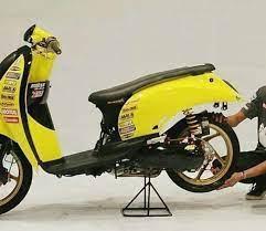 Kendaraan roda dua satu ini hadir dengan berbagai jenis dan tipe, mulai dari motor sport, bebek, sampai matic. 48 Modifikasi Scoopy Terbaik Tahun Ini Road Race Airbrush Jari Jari