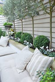 25+ trending Garden design ideas on Pinterest | Small garden fire ...