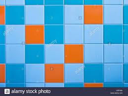 Teil Der Mauer Im Modernen Badezimmer Mit Fliesen In Hellblau