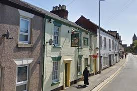 the half moon pub in rugby