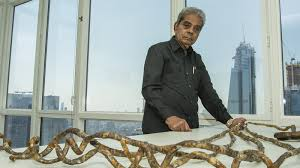 man with the world s longest fingernails cuts them off after 66 years