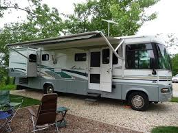 rvs for in addison illinois 2004 winnebago adventurer 33v