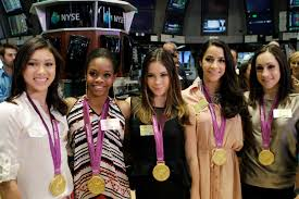 Gabby Douglas apologizes for criticizing Aly Raisman\u0027s stance on ...