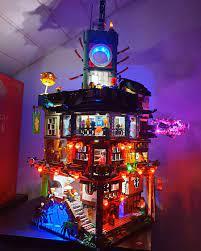 Ninjago City with LEDs : lego
