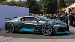 The bugatti divo has used many little tricks to keep it lightweight in order to enhance its aerodynamics and high speed performance. Bugatti Divo Is For The Bends While The Chiron Is For The Straights Autoblog