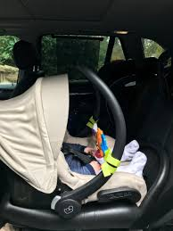 maxi cosi it has a stay in car base featuring rebound protection and a one latch system so i can quickly and easily get the seat in and out of the